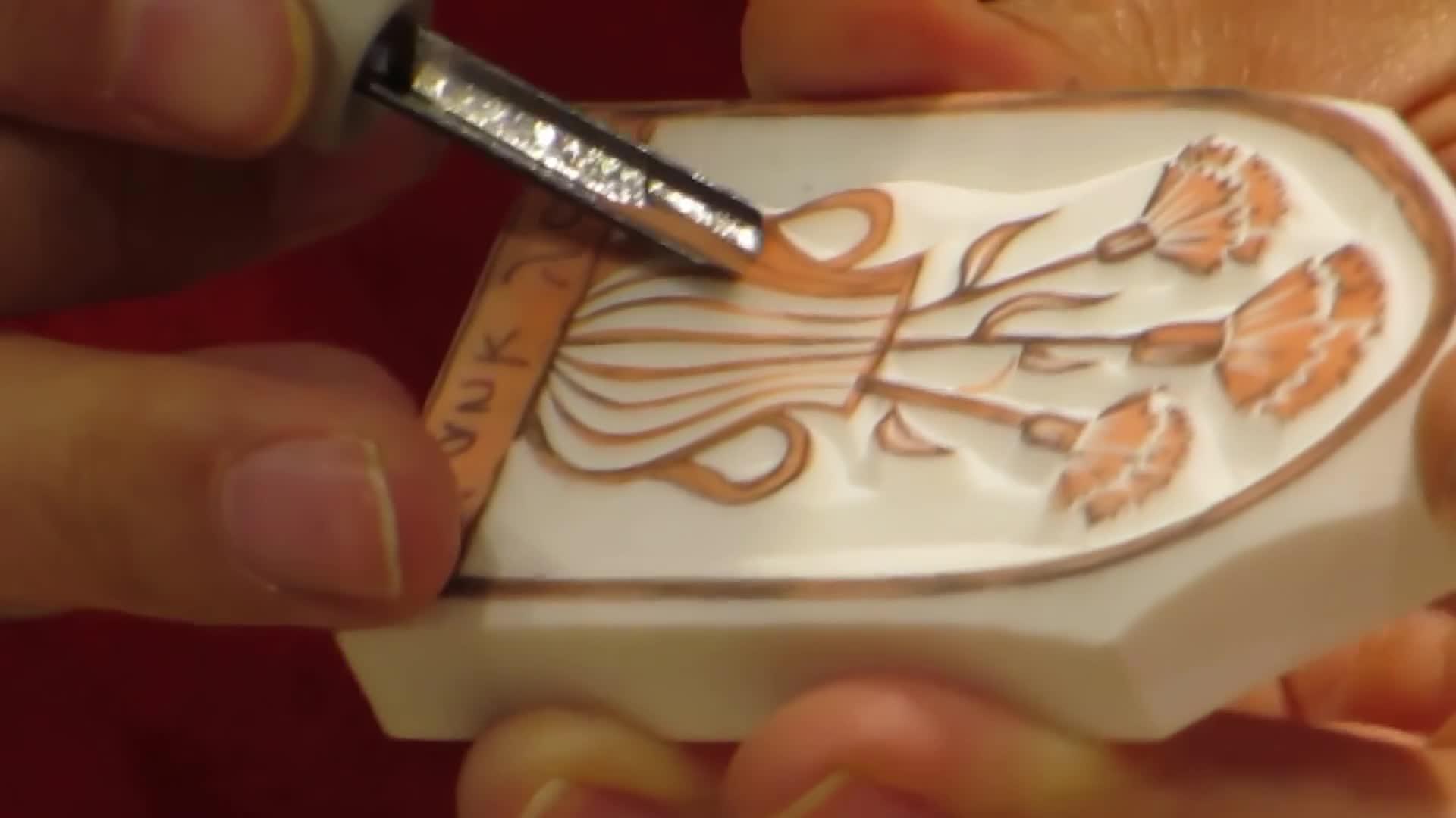 津久井智子(Tomoko Tsukui):橡皮章雕刻创作过程
