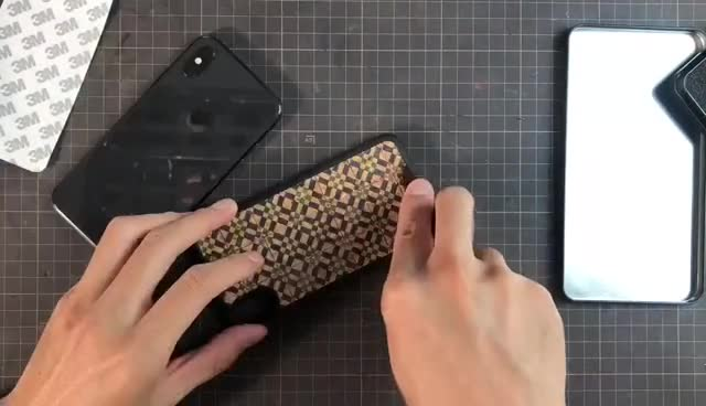 DIY | 贴个复古花砖图案的手机壳