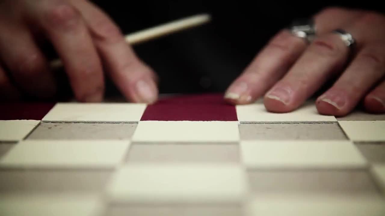 此视频引起极度舒适 ✎手工皮具 | 做个皮棋盘